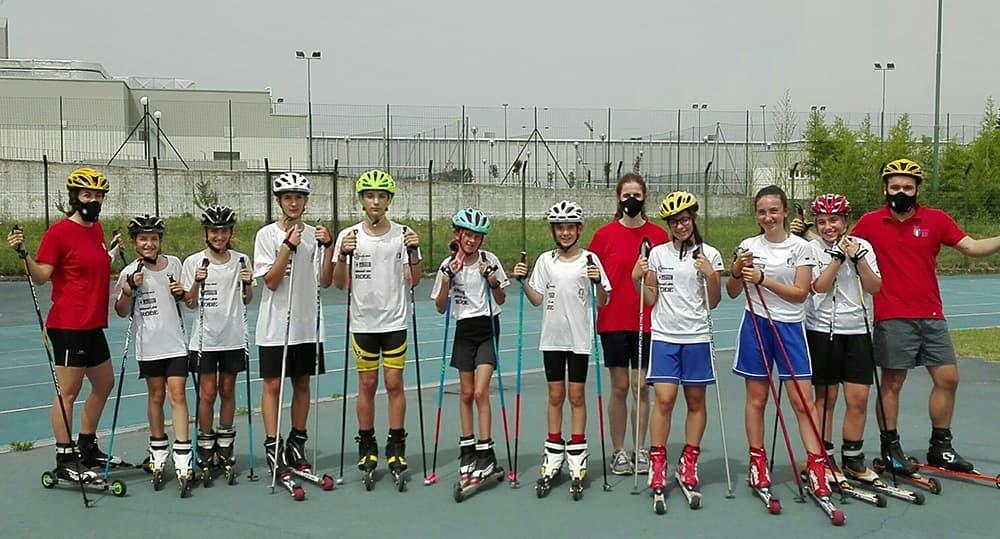 I ragazzi del progetto giovani con gli skiroll dopo la sessione di allenamento