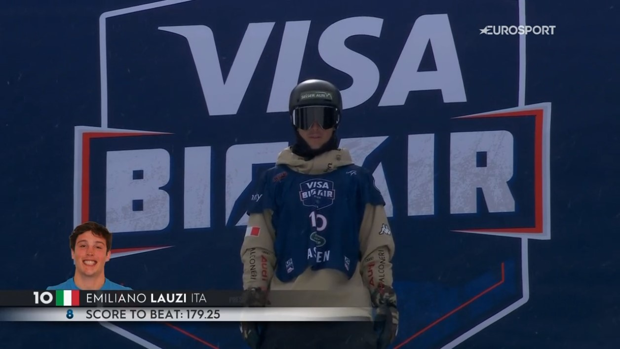 Emiliano aspetta il via libera per la partenza dell'ultimo salto per la finale